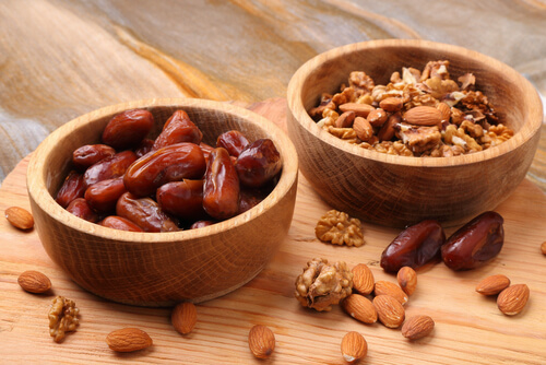 almonds-and-dates
