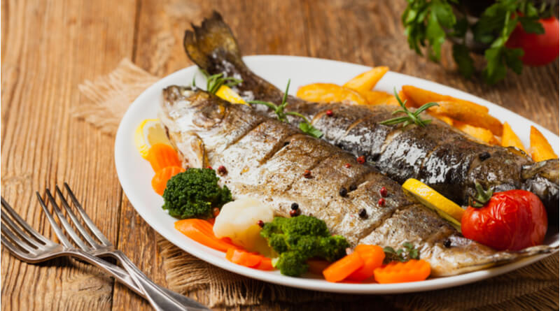 fish lowers risk of bowel cancer