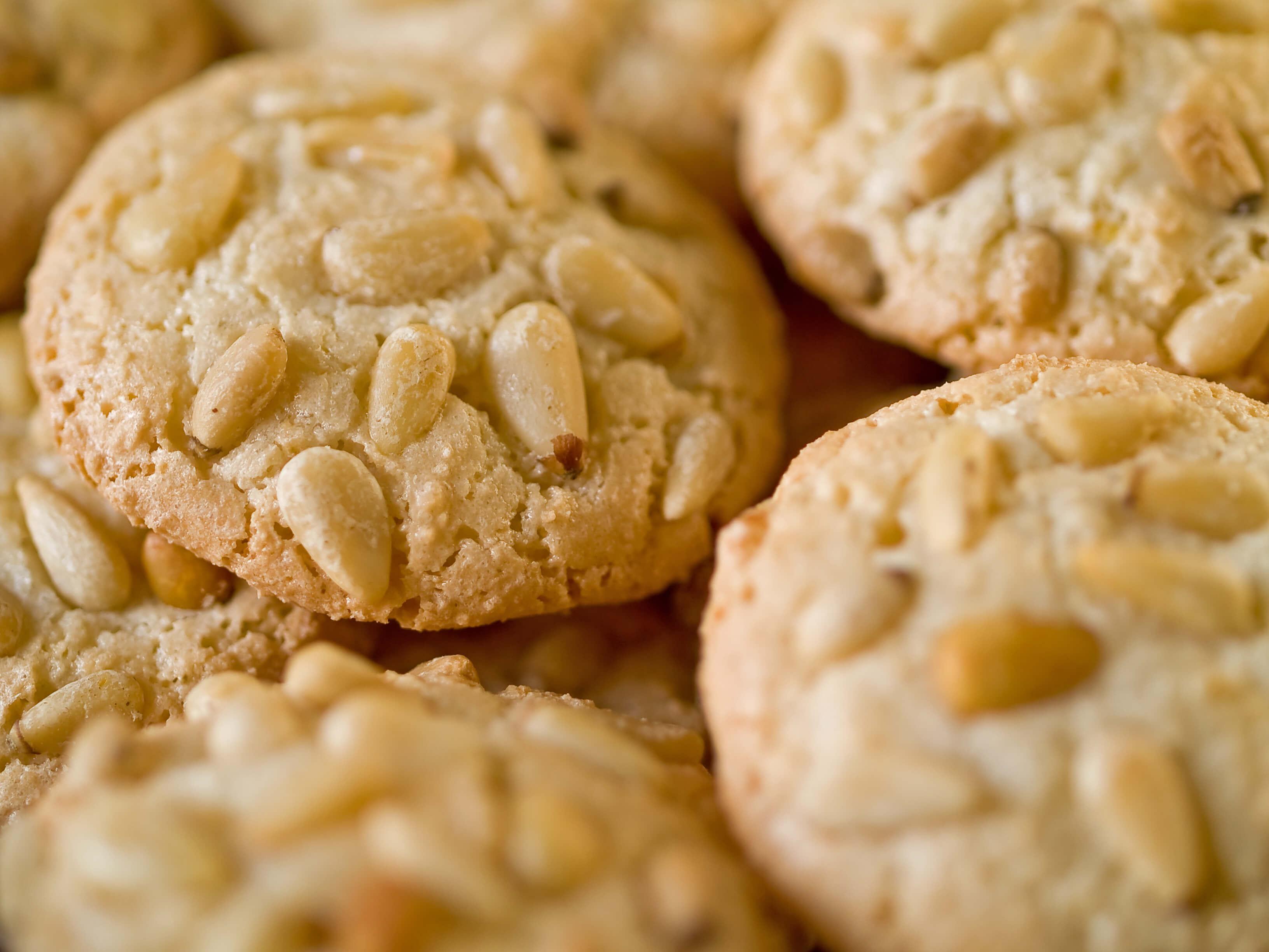 Crumbly Pignoli Cookies