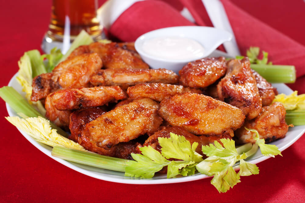 Fried Buffalo Wings with Blue Cheese Dip Sauce