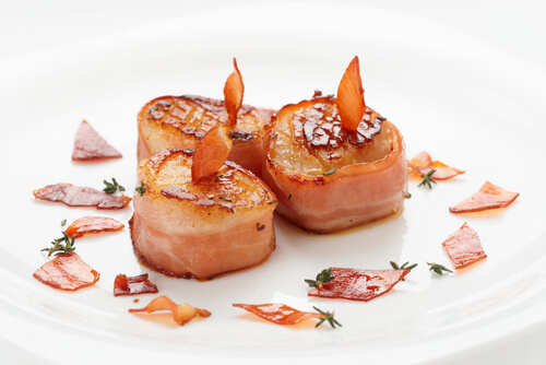 Seared Scallops with Garlic Chilly Bacon
