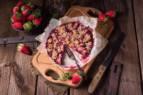 Low-Sugar Strawberry Rhubarb Crunch Recipe