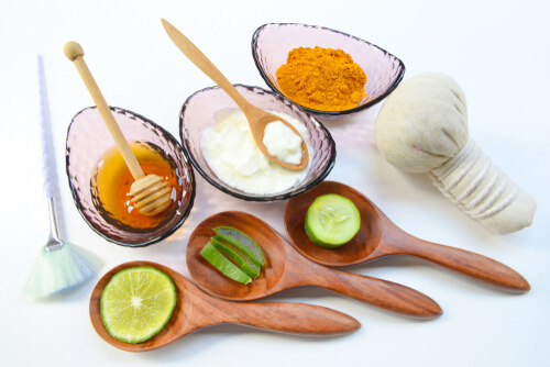 Natural Ingredients You Can Use to Remove Your Makeup