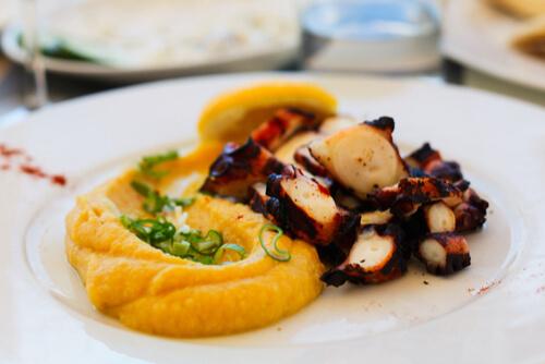Octopus Hummus