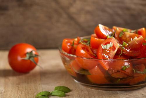 Thai Spicy Tomato Salad