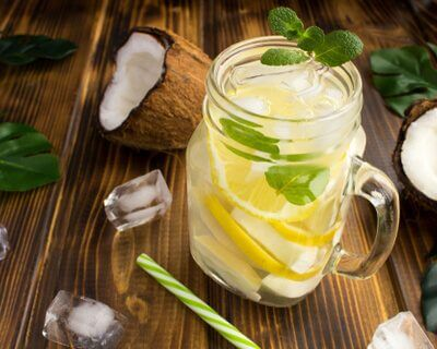 Coconut water with mint and lemon