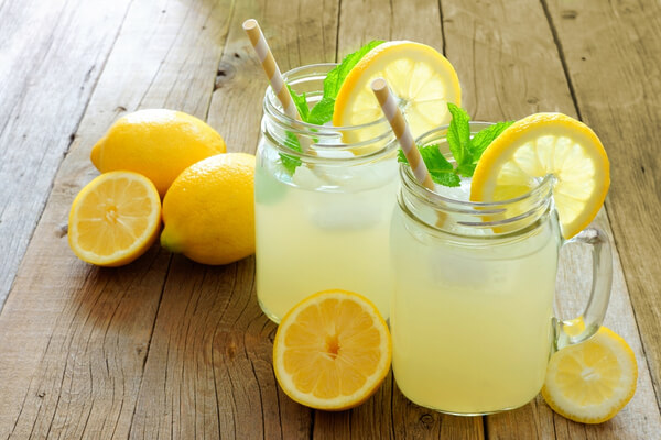 Lemonade with honey