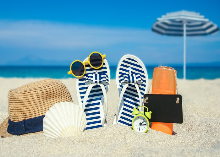 10 Essentials You Must Carry in Your Bag for a Beach Trip in Summer