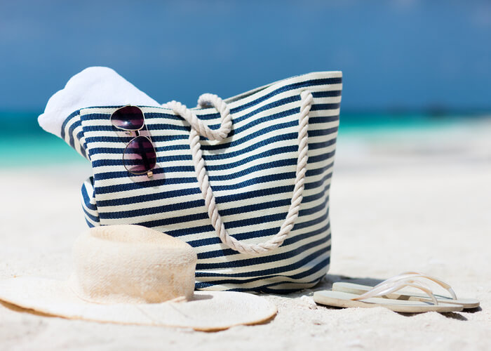 10 Main Summer Essentials That You Should Always Carry