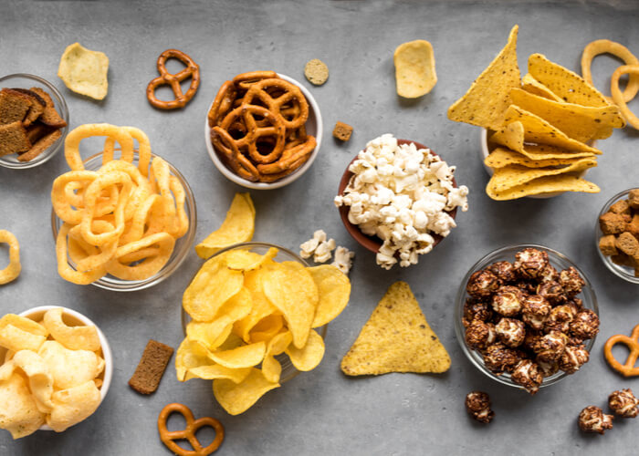 10 Healthy Snacks to Have on Your Work Desk