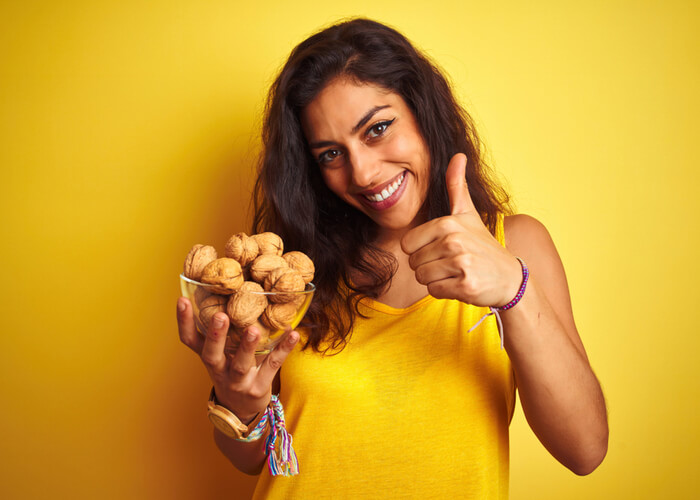 10 Reasons to Munch on Walnuts Everyday